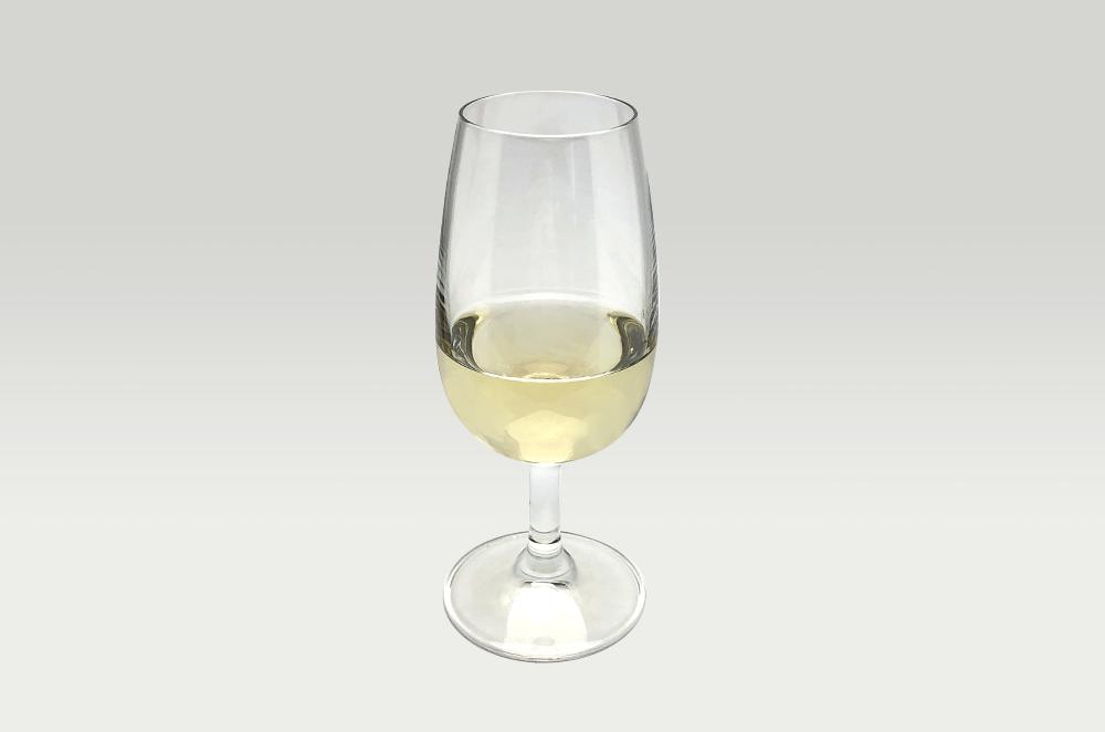 大沢ワインズフライングシープ ゲヴュルツトラミネール2013グラス