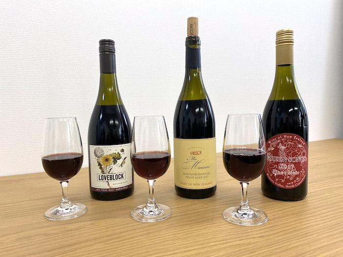 ワイン3本とグラス