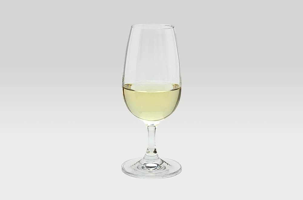 大沢ワインズ フライングシープ ピノ・グリ 2013グラス