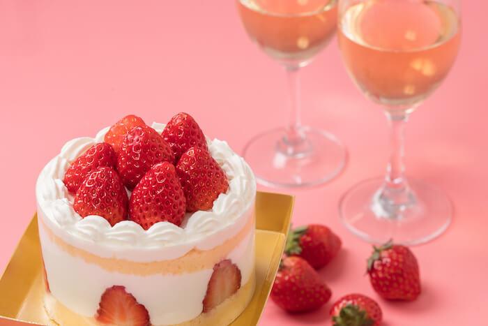 ケーキ、ワイン