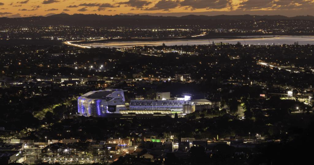 ニュージーランド国立競技場で初のライブ 5万人が参加