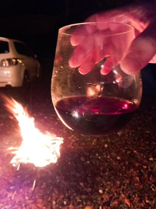 焚き火、ワイン